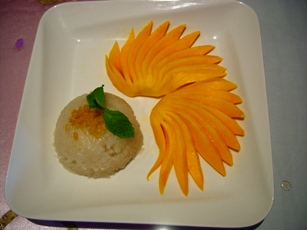 Sweet Sticky Rice with Mango for dessert
