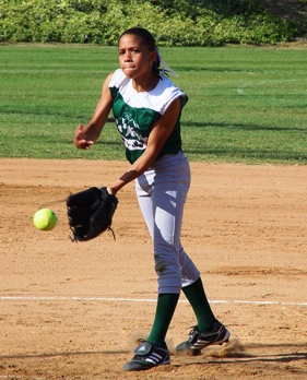 Dakota Casper was magnificent pitching inside the circle for La Verne's 10Us.