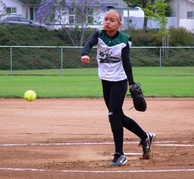 10U La Verne pitcher Taylor Alley