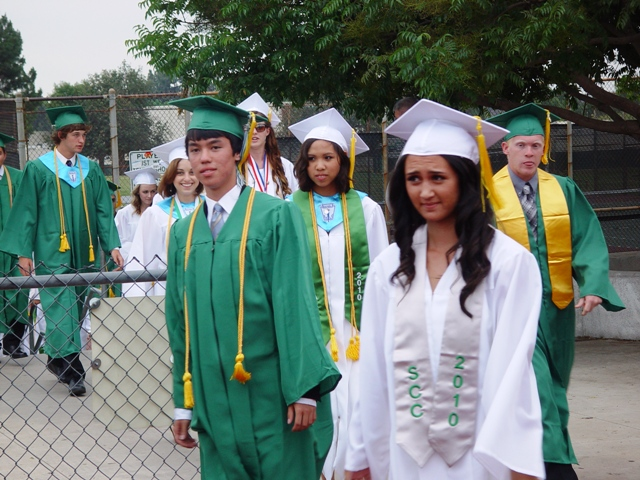 Many photos of Bonita grads follow...