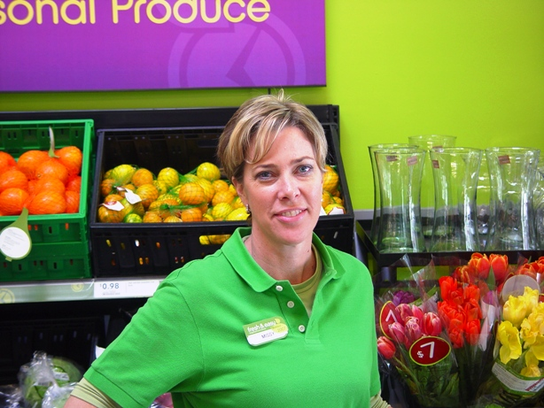 Missy Flores manages the new Fresh & Easy.