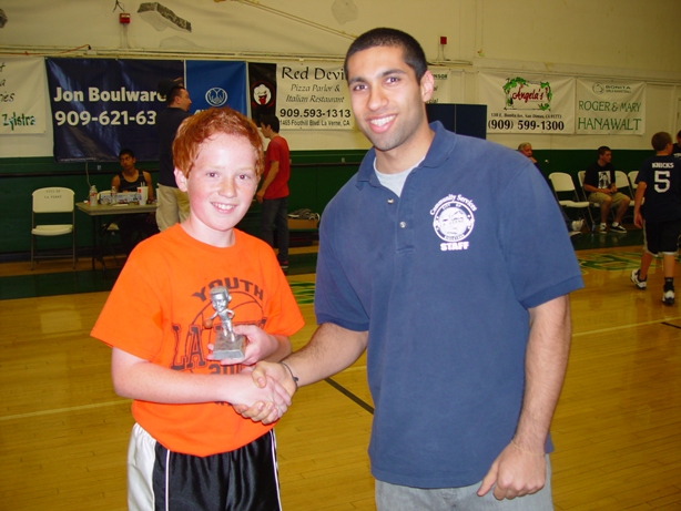 """Sharp-shooting Sammy Yagoda won the the three-point shooting contest in the """"B"""" division."""