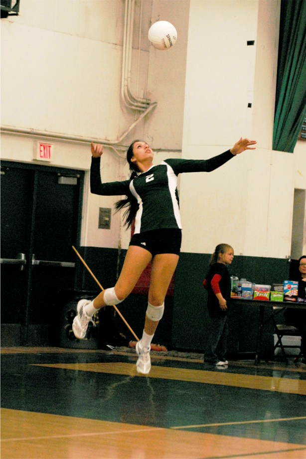 Kassandra Mejia shows off her serving form.