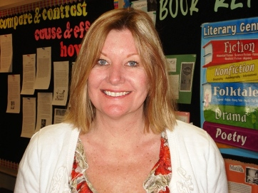 Mary Fankhauser has taught English, history, and a variety of electives at Joan Macy School for 14 years. In 2003, she was named a La Verne Teachers of the Year.
