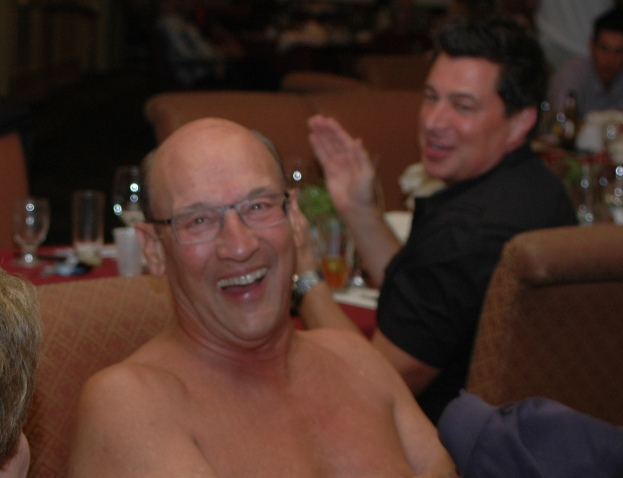 Los Angeles Kings announcer Bob Miller literally gave the shirt off his back to aid a good cause.